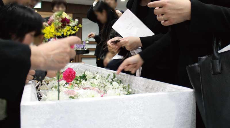 家族葬での無宗教・自由葬の実例の紹介